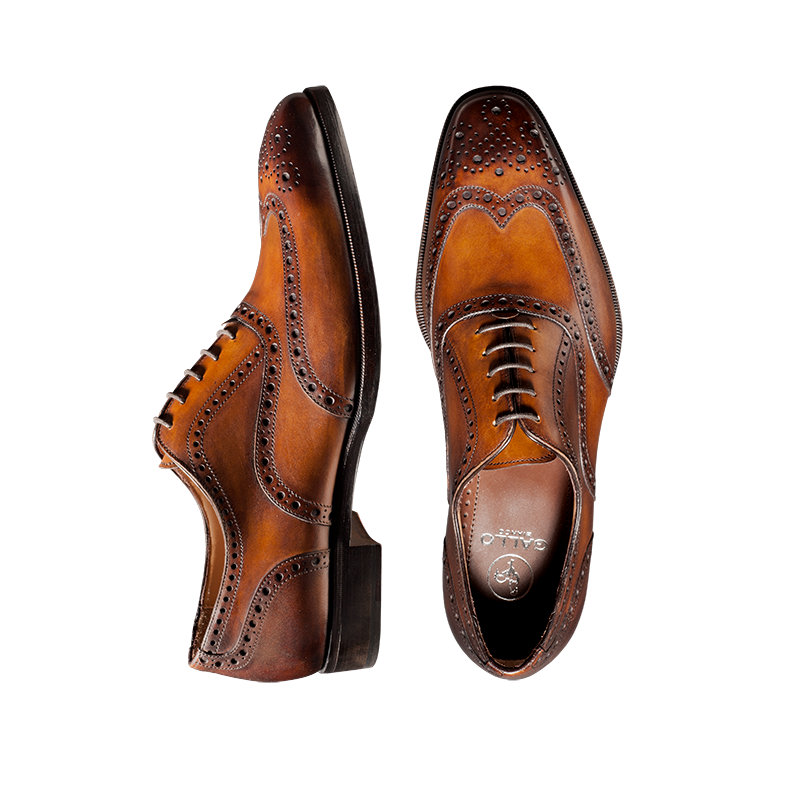 Reverse Sombrero Deco Wingtip Lace-up